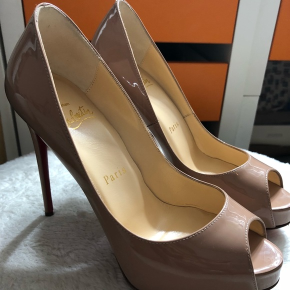 more photos 715ff e4477 Christian Louboutin New Very Prive 120 Patent-Nude